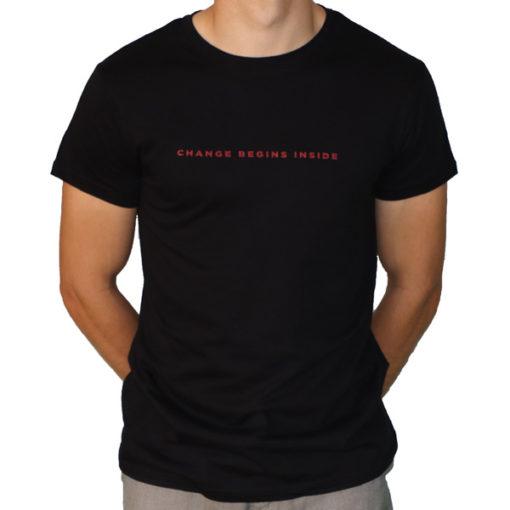 """Avant du t-shirt noir """"Change begins inside"""""""