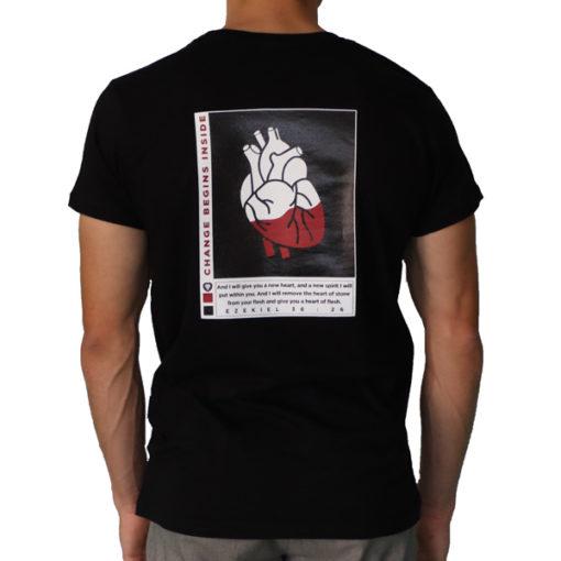 "Arrière du t-shirt noir ""Change begins inside"""